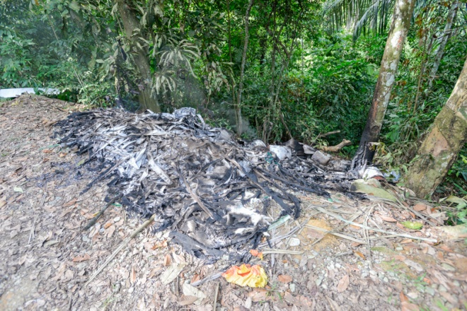 Pantai Hill trash burnt increases toxicity in surrounding environment